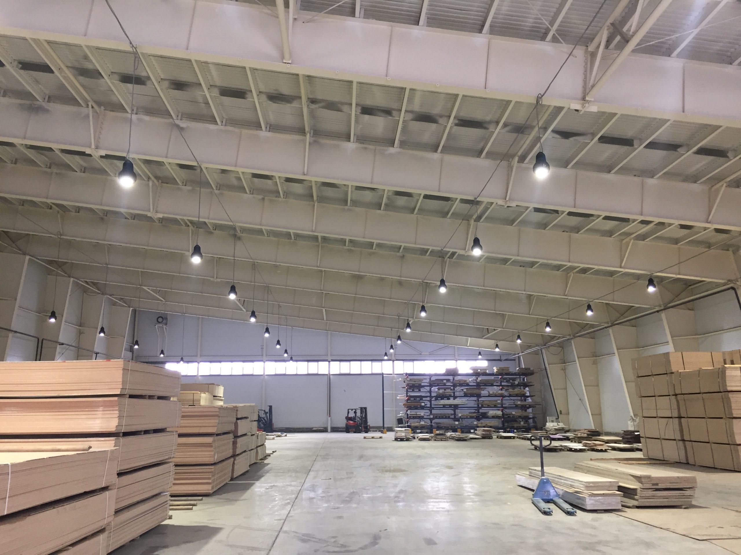 Монтаж светодиодного освещения в складском помещении