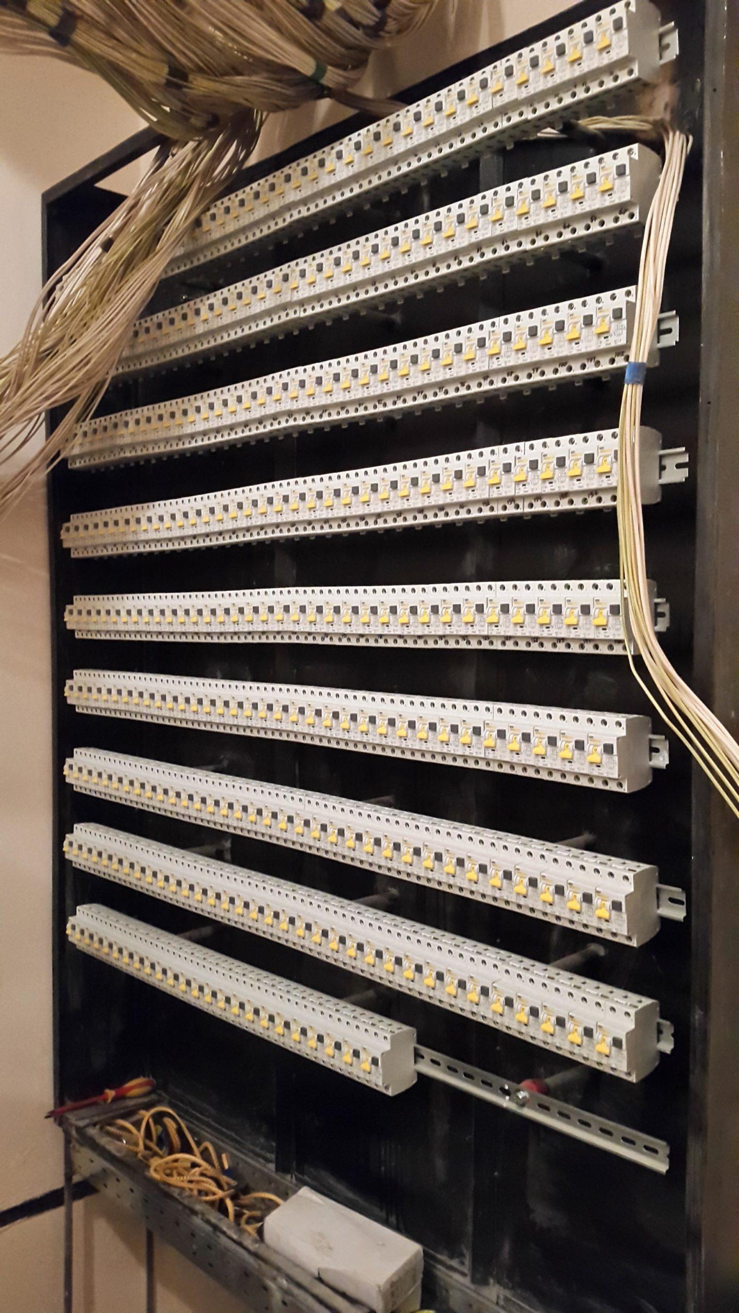 Монтаж 178 автоматов в электрощит